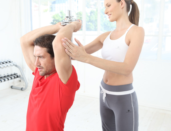 Exercice musculation haltere